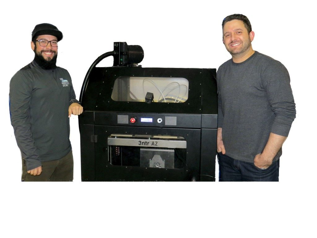 Justin Finesilver and the A2 3D printer by 3ntr.