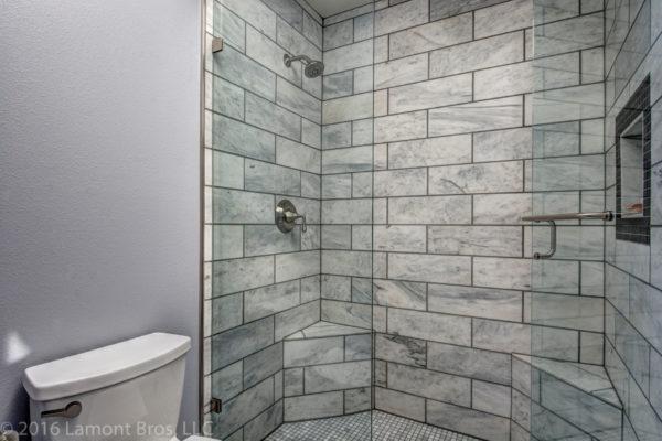 subway tile design ideas: stone
