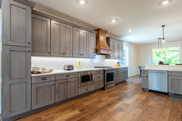 Kitchen or Bathroom Remodel: New large kitchen