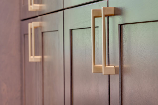 kitchen remodel projects: new hardware