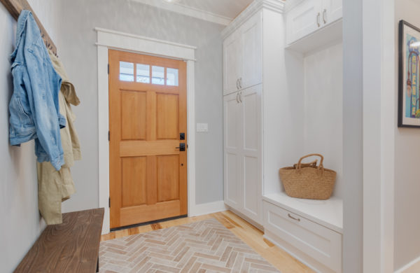 modern entryway ideas: mudroom