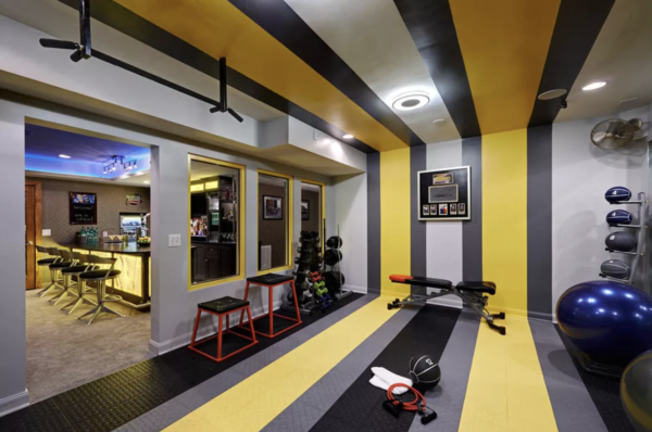 home gym ideas: bold colors