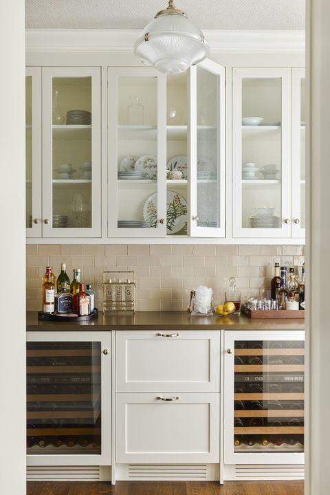 modern home bar: butlers pantry bar